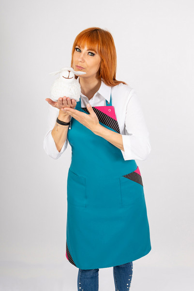 Performance bib apron Dublin_Special Edition, a petrol colored apron in combination with noble pinstripe and pink